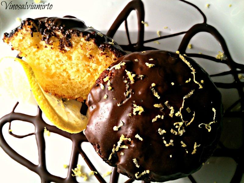 tortino al limone con glassa al cioccolato