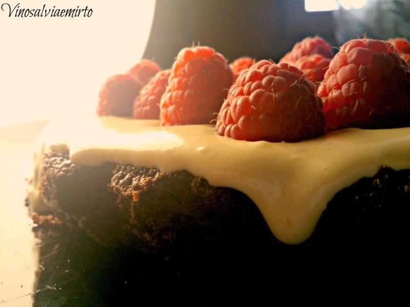 tortino al cioccolato e lamponi