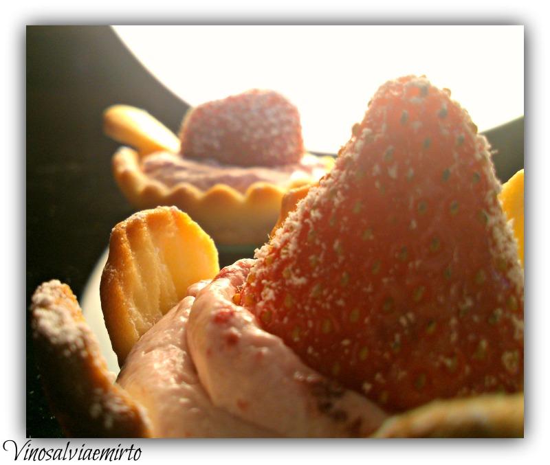 tartellette panna e fragole