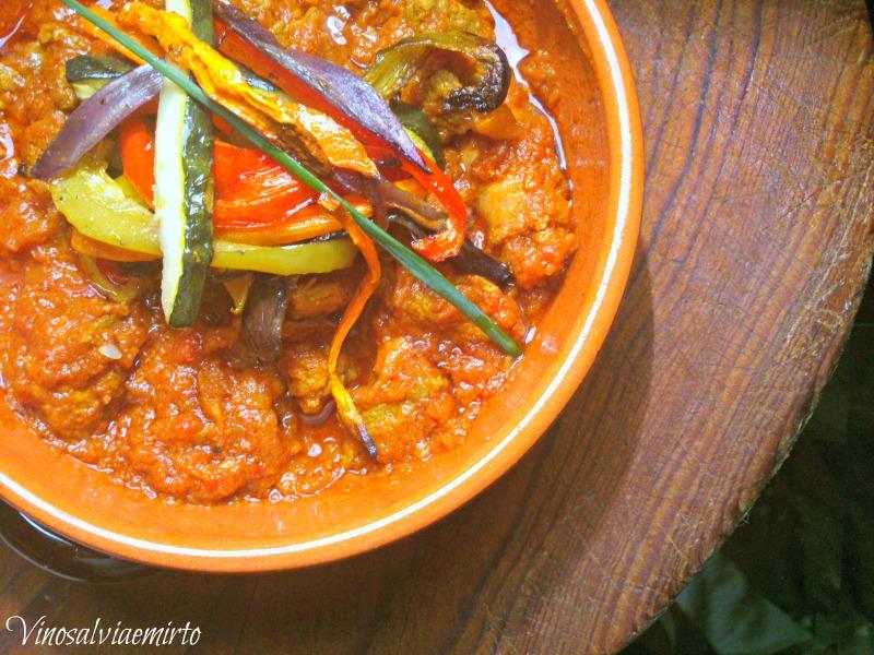 carne speziata indiana con verdure croccanti al forno