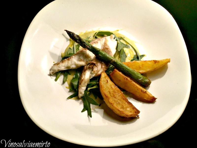 orata alla rucola e parmigiano su salsa agli asparagi